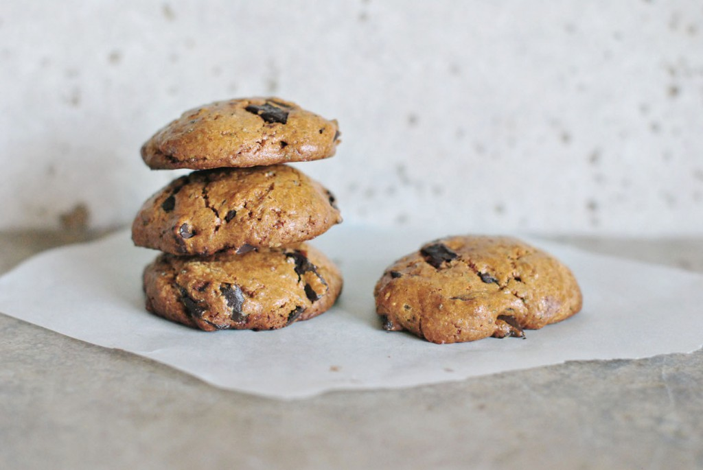 Cinnamon Tahini Chocolate chunk Cookies-no flour